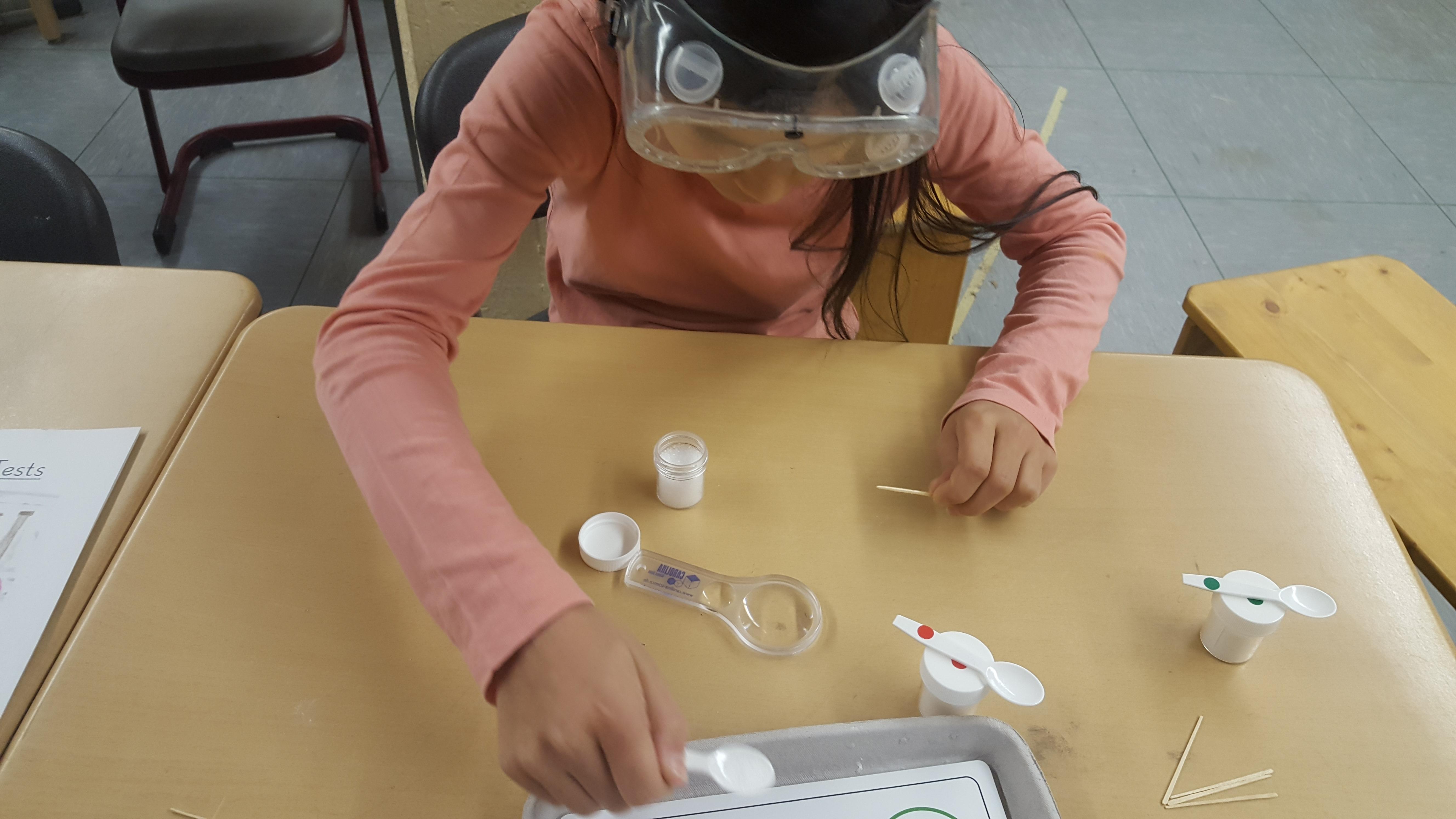 Kleine Chemiker in der GGS Bergisch Neukirchen