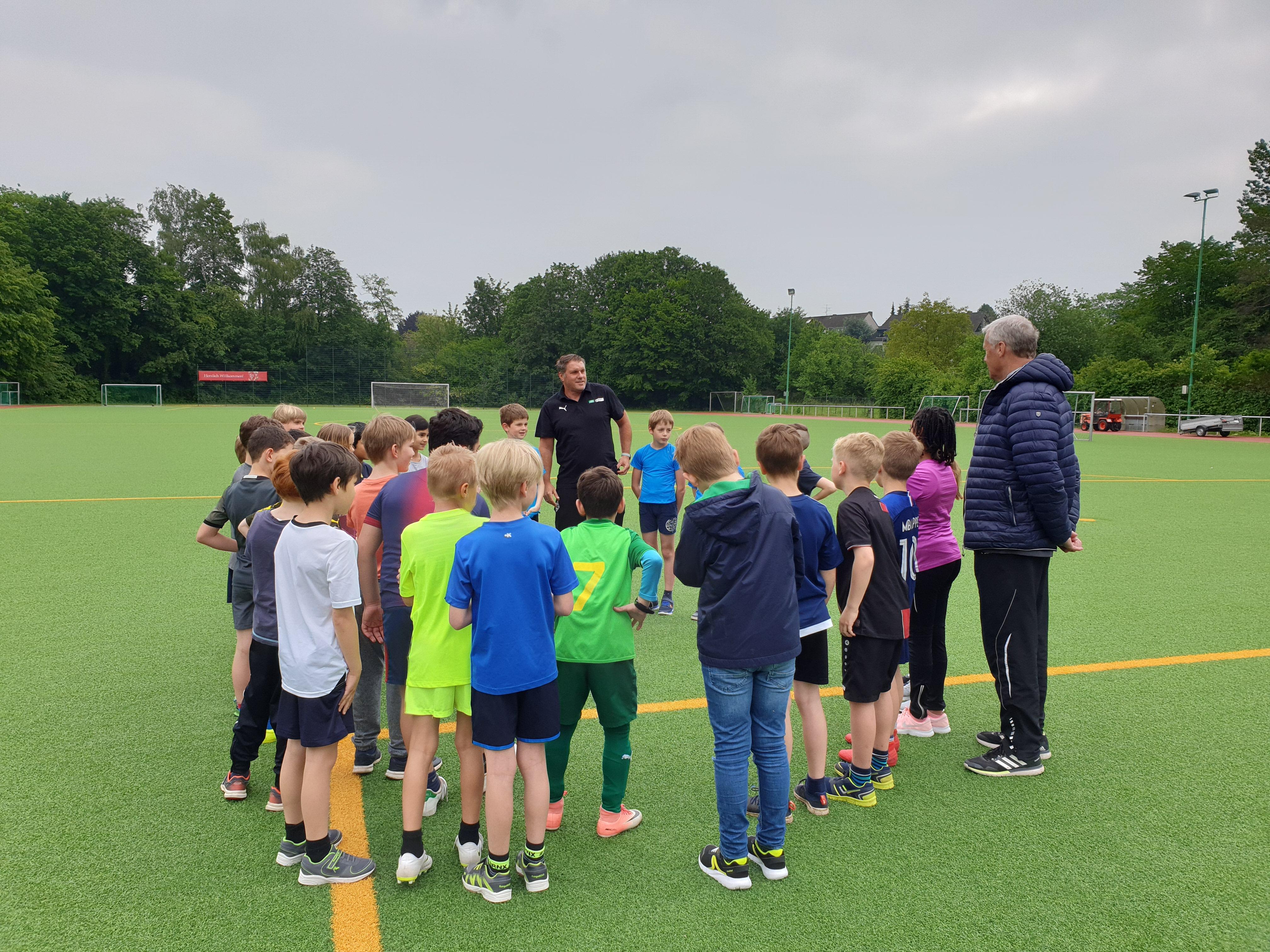 Fußball-Profis in Bergisch Neukirchen